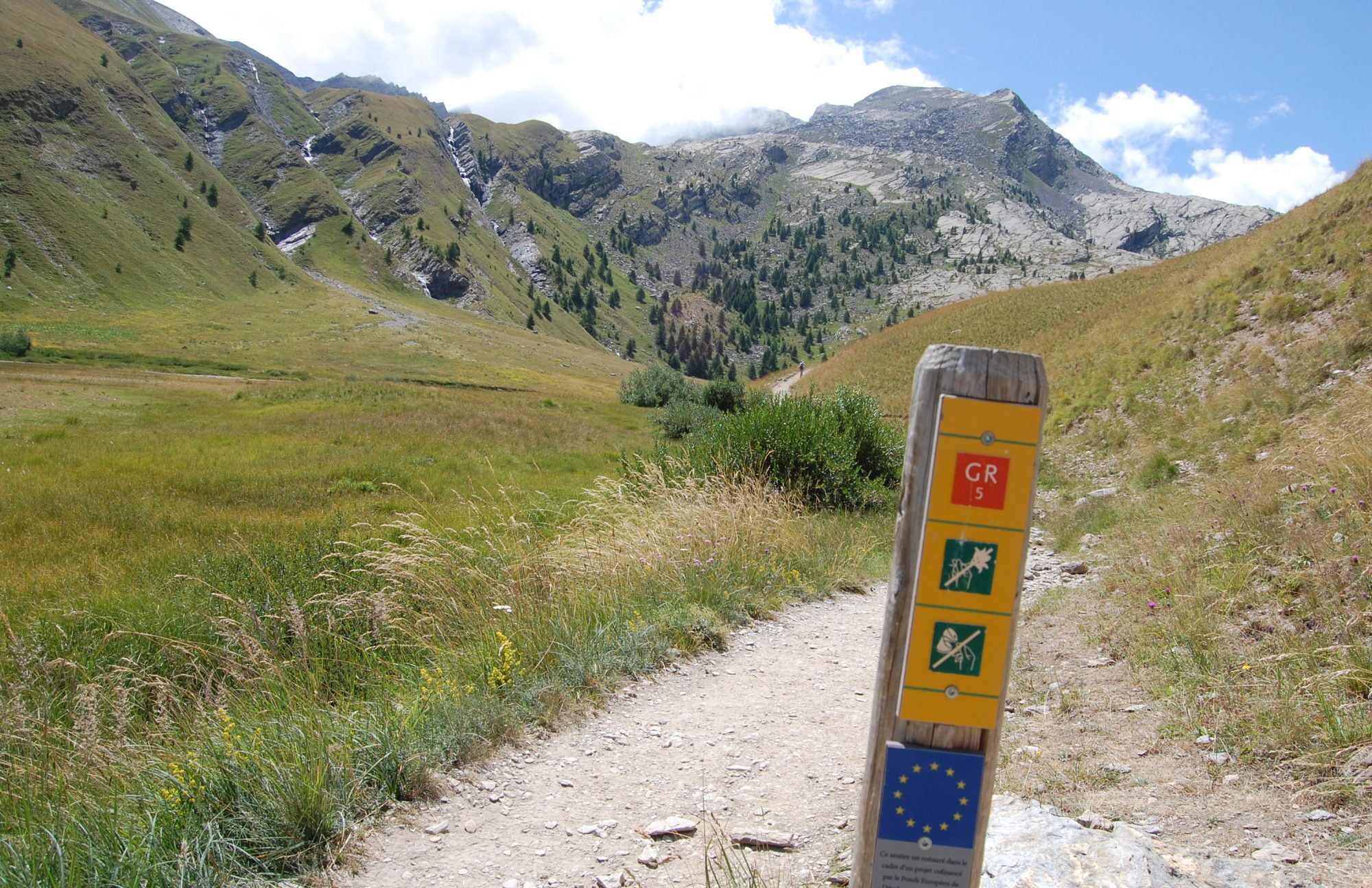 Walking the GR5 Grand Traverse of  the ALPS (GTA)