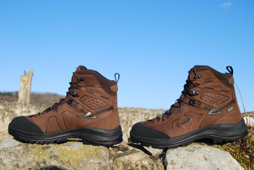 Keen Karraig walking boots side side elevations