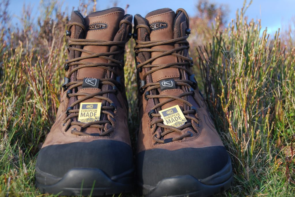 Keen Karraig walking boots full frontal!