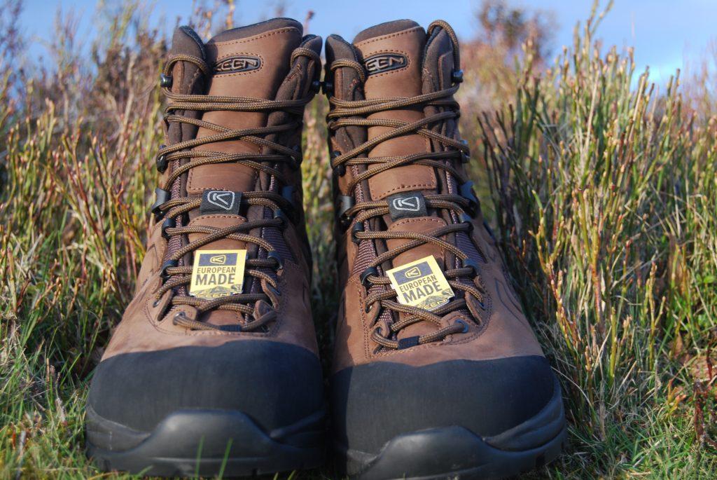 Keen Karraig walking boots full frontal!
