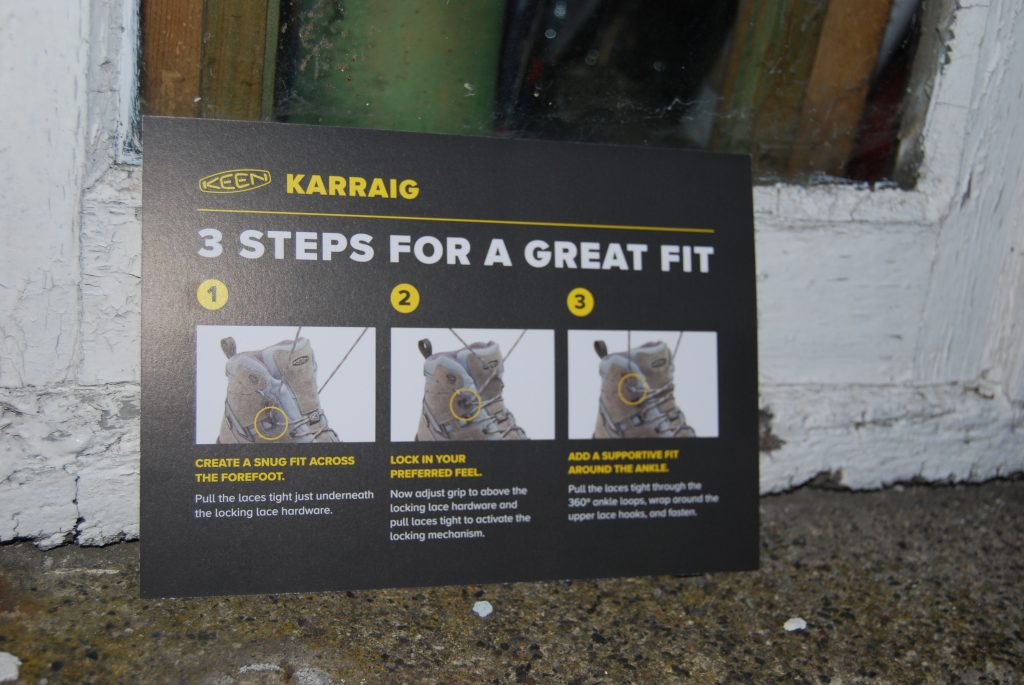 Instructions on how to put on Keen Karraig walking boots